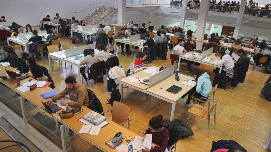 Educación abre la segunda convocatoria de becas universitarias de este curso