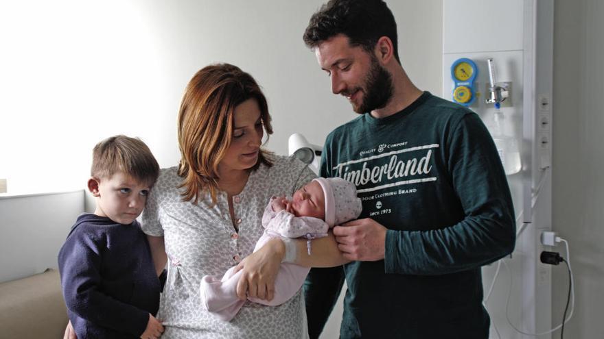Nacidos en 2020 y con 12 semanas  de permiso paternal bajo el brazo