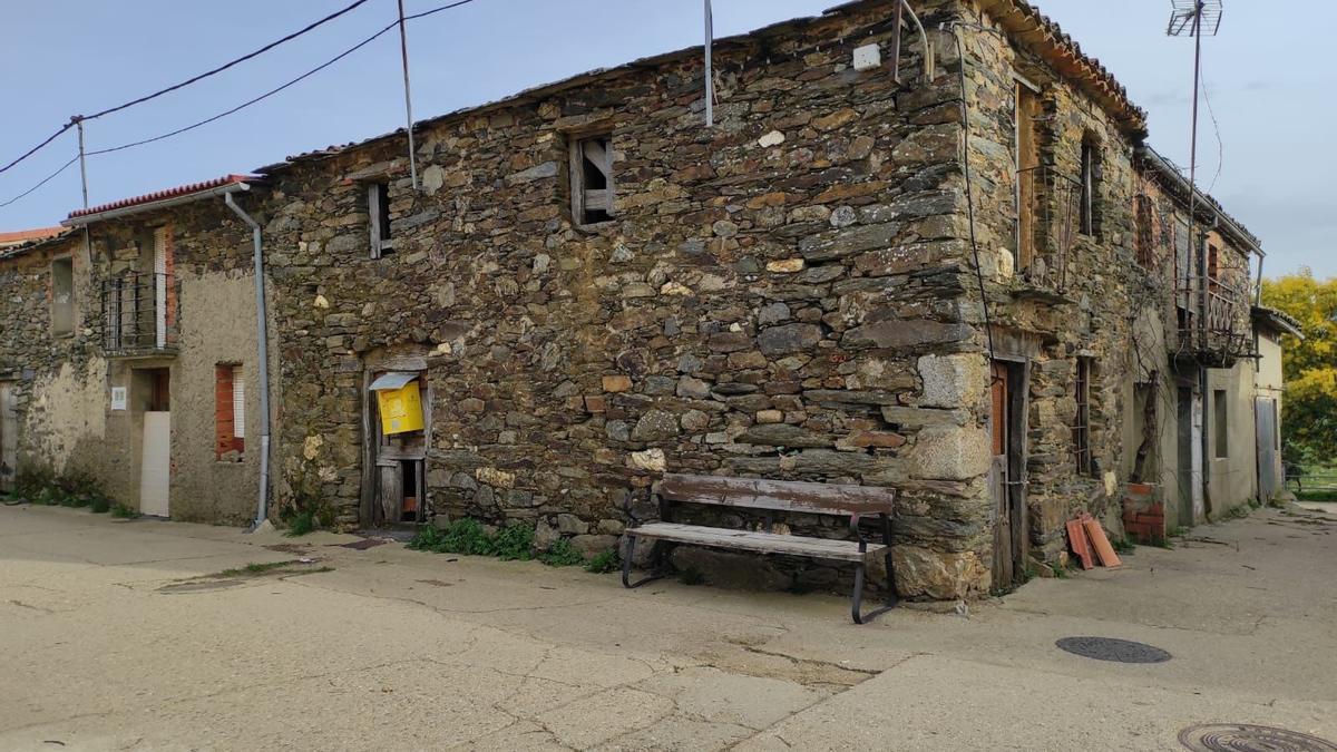 Casa de la maestra en El Poyo