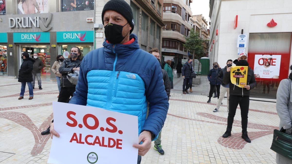Protesta de la hostelería de Elche ante las restricciones de Sanidad.