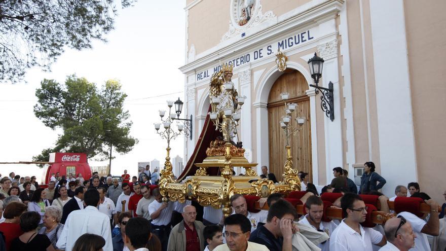Llíria cancela sus fiestas pero celebra tres misas en honor a su patrón, San Miguel