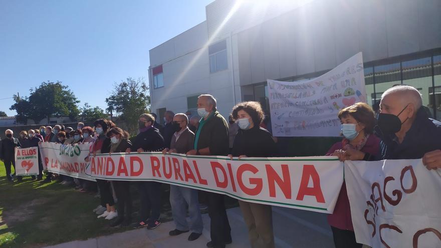 Los vecinos de Sayago se vuelven a manifestar contra la falta de médicos