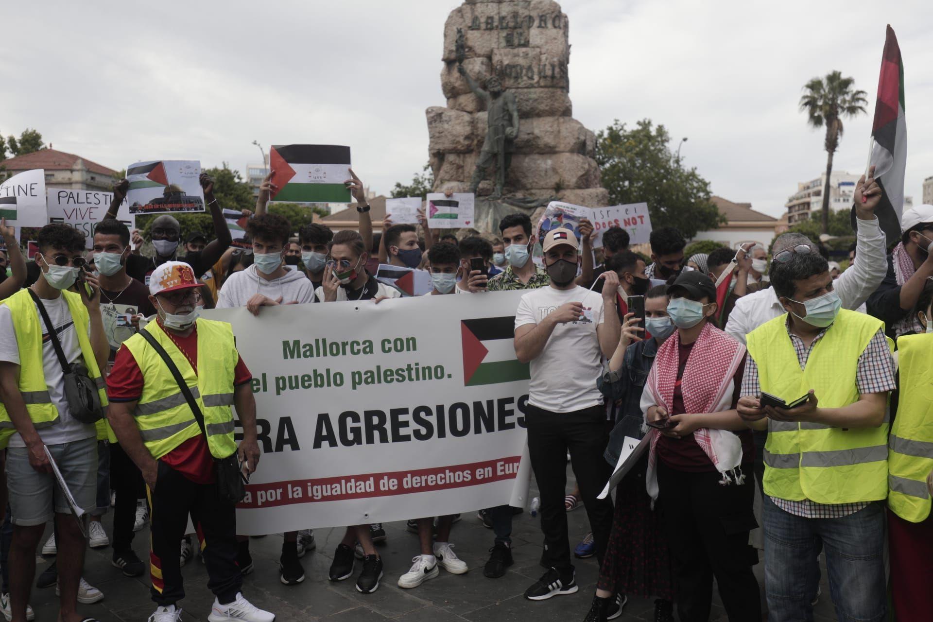 Cientos de personas se concentra en Palma para expresar su apoyo al pueblo palestino