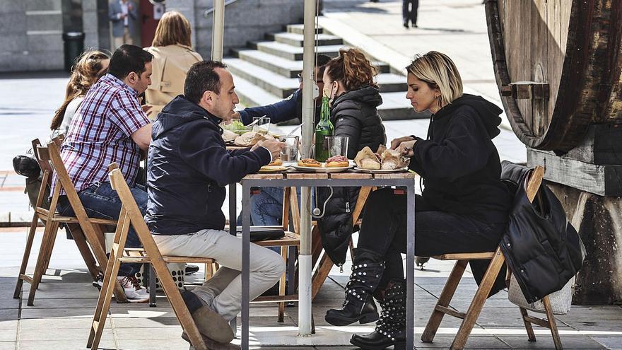 Las solicitudes de terraza se disparan en Oviedo por el virus y las facilidades municipales