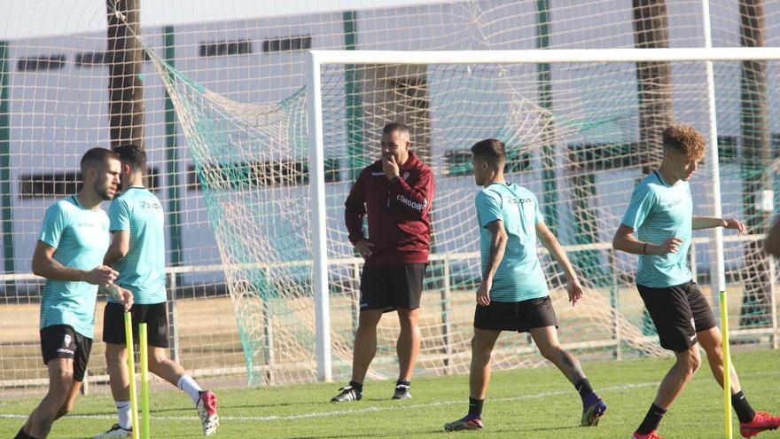 El Córdoba CF toma la senda de la precaución en su sesión de trabajo