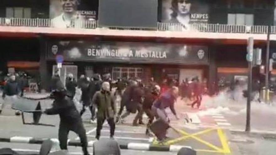 Un detenido y sesenta identificados tras pelea en Mestalla
