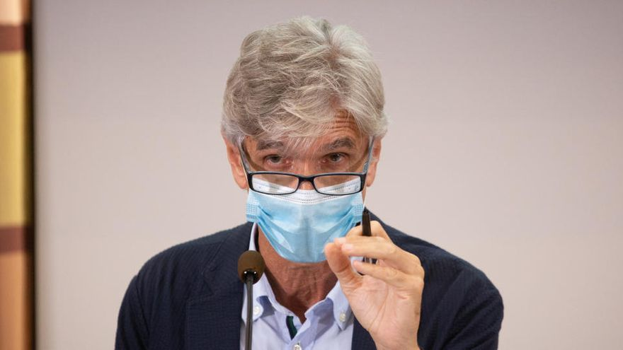 El secretario de Salud Pública de Cataluña, Josep Maria Argimon, ingresado por Covid