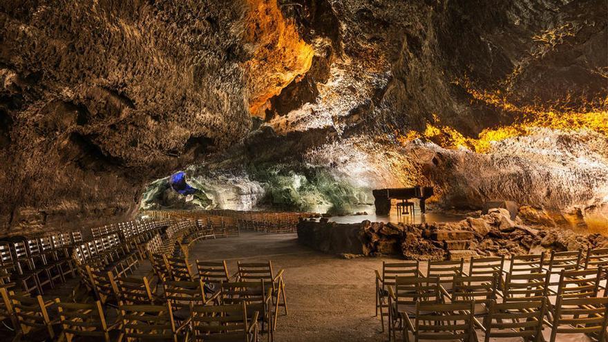 """Carmen Ojeda: """"La Cueva de los Verdes es mágica, y sumergirse en sus entrañas modifica el estado de ser y conciencia de quien la transita"""""""