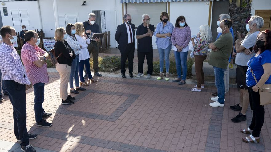 Martí traslada su apoyo a los vecinos de Torre la Sal para evitar el derribo