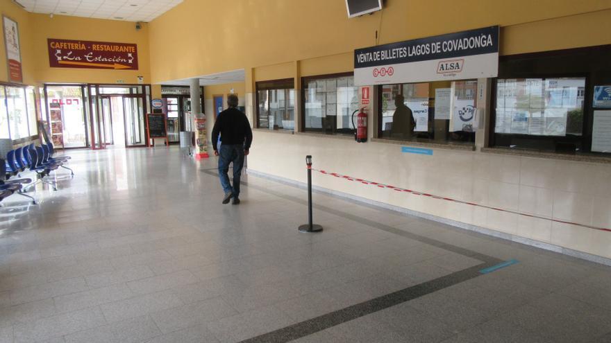 Los Lagos, con transporte pero casi sin visitantes en el fin de semana de reinicio de los buses-lanzadera