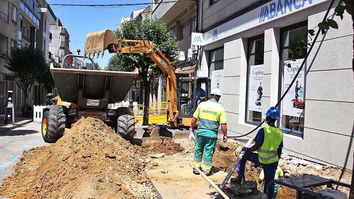 Obras en la calle Joaquín Loriga, en el cruce con Pintor Laxeiro.   | // BERNABÉ/ANA AGRA