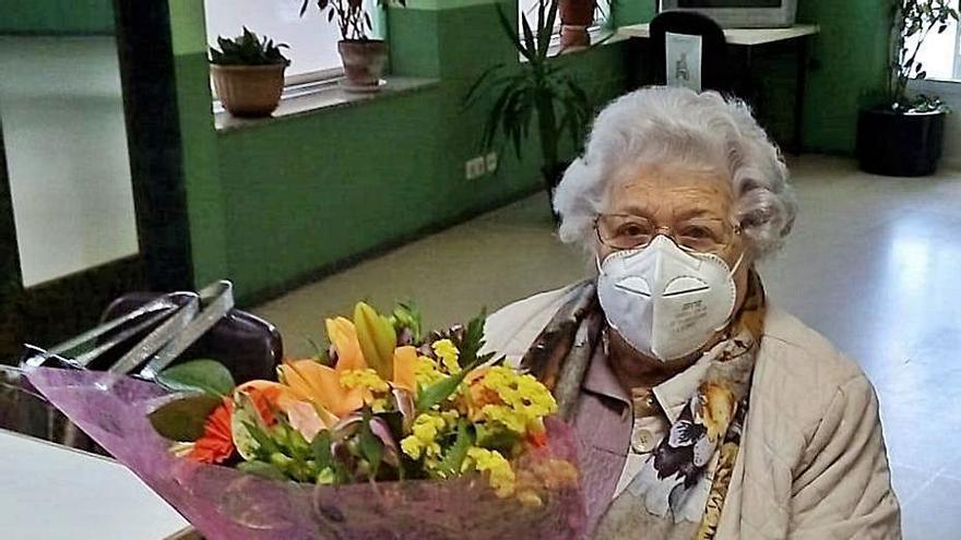 Aluvión de felicitaciones por el 90 cumpleaños de Dorita