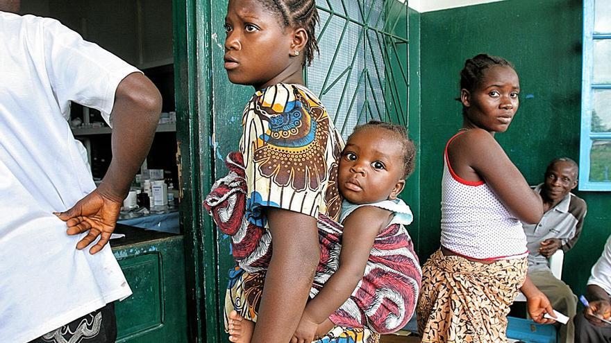 El fotoperiodista Miquel Ruiz publica el llibre «Viatge al cor de la malària»