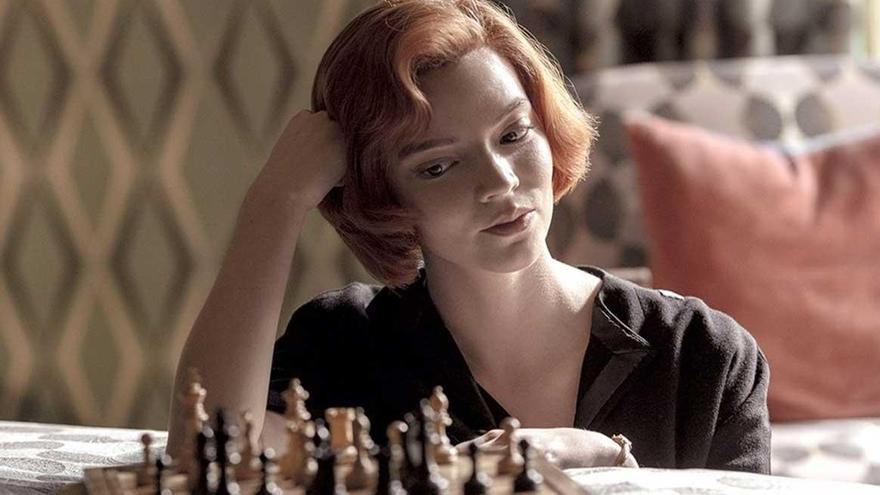 'Gambito de dama' y 'The Mandalorian', estrenos más vistos de los últimos meses
