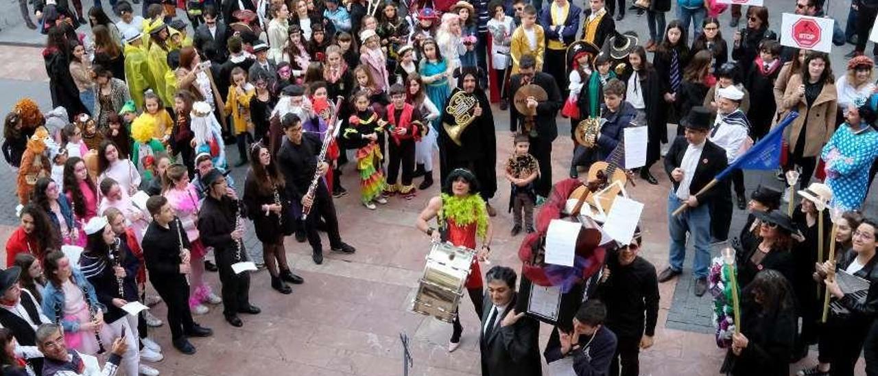 Un acto reivindicativo organizado por la plataforma de apoyo al Conservatorio.