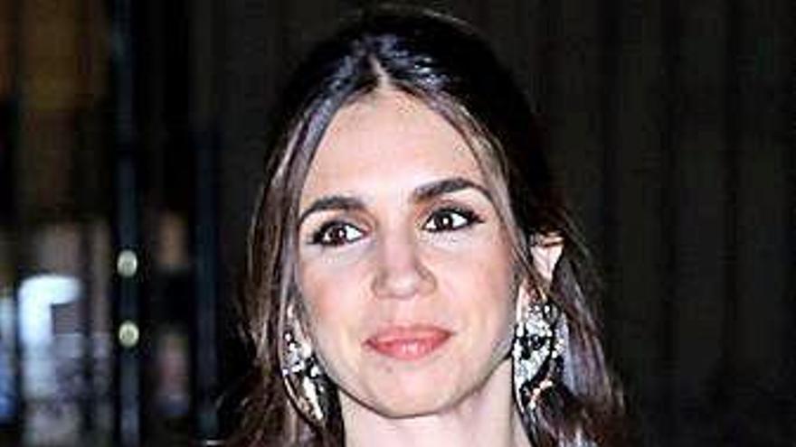 La actriz Elena Furiase celebra orgullosa y feliz el primer año de su hijo Noah