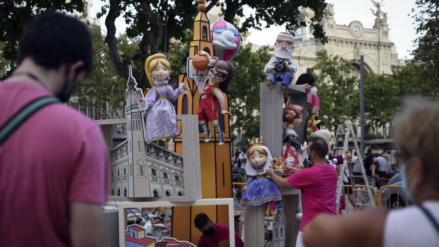 València ret homenatge als seus personatges il·lustres amb la 'plantà' de la falla municipal infantil