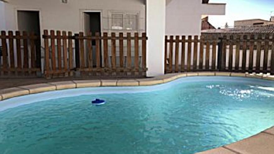 230.000 € Venta de casa en Torroella de Montgrí 102 m2, 3 habitaciones, 1 baño, 1 aseo, 2.255 €/m2...
