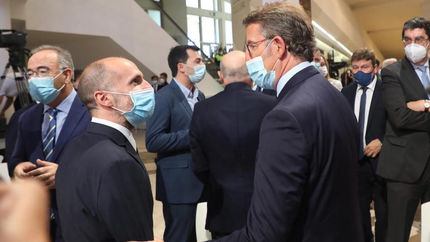 Feijóo se desliga de la crisis política con Jácome y deja la solución a Baltar