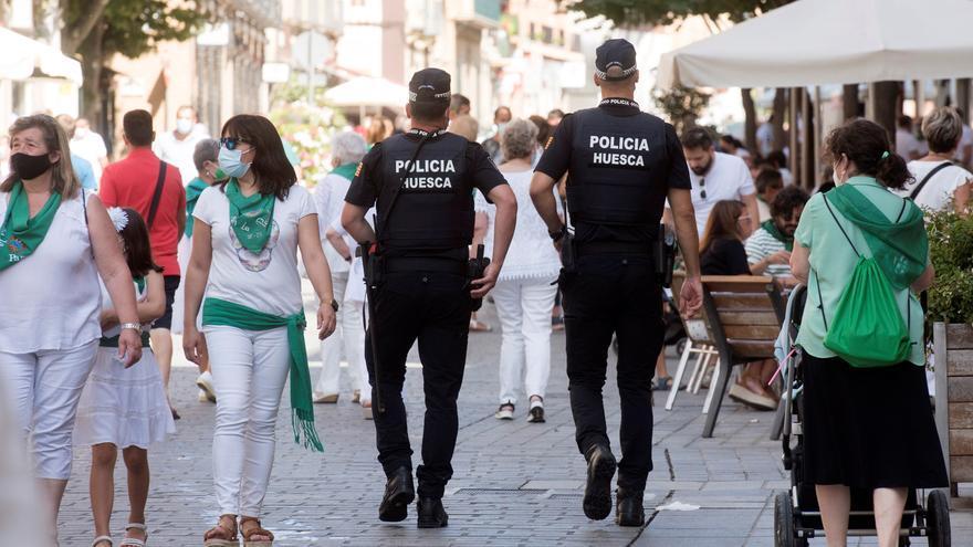 España sale del riesgo extremo tras caer la incidencia 22 puntos