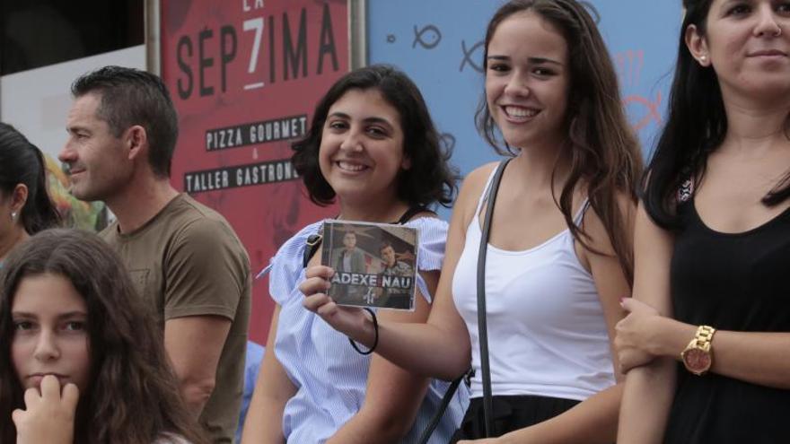 Adexe & Nau venden más en España que Sabina, Shakira y Coldplay