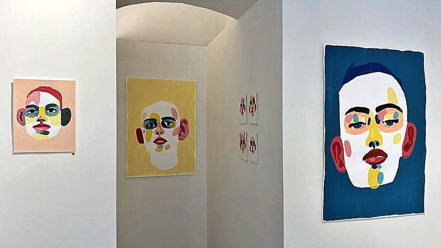 Sentir la emoción de la pintura en la Galería 451 de Oviedo