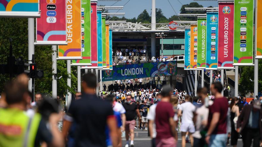 No hay excepciones: los aficionados que viajen a Wembley deberán guardar cuarentena
