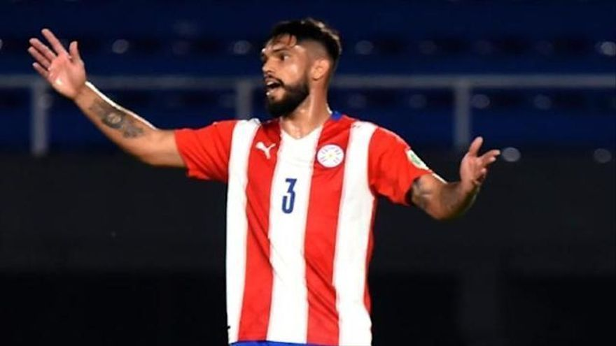 Omar Alderete, expulsado en un final de partido loco (y violento)