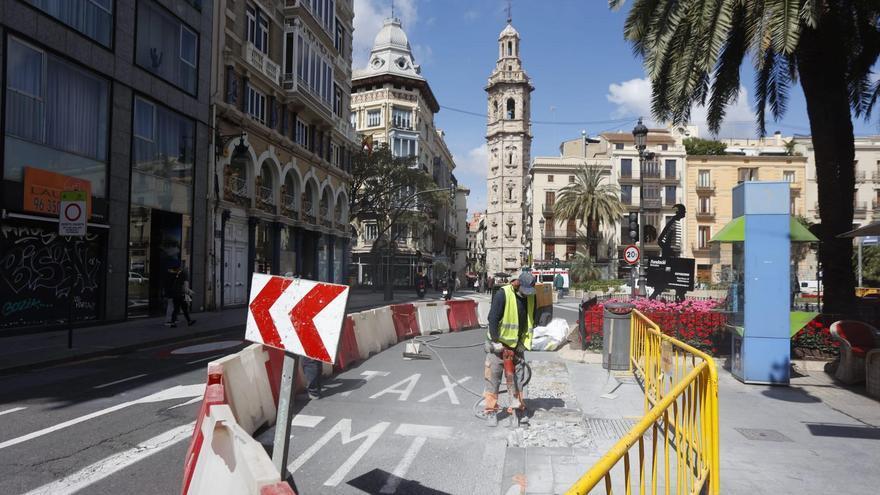 Comienza la peatonalización de la Plaza de Reina en València