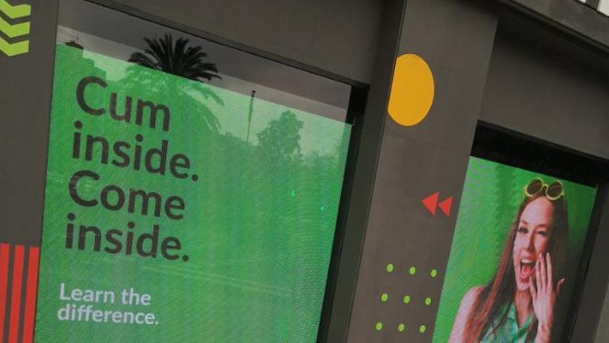 La publicidad de una academia de idiomas de València se vuelve viral en Twitter