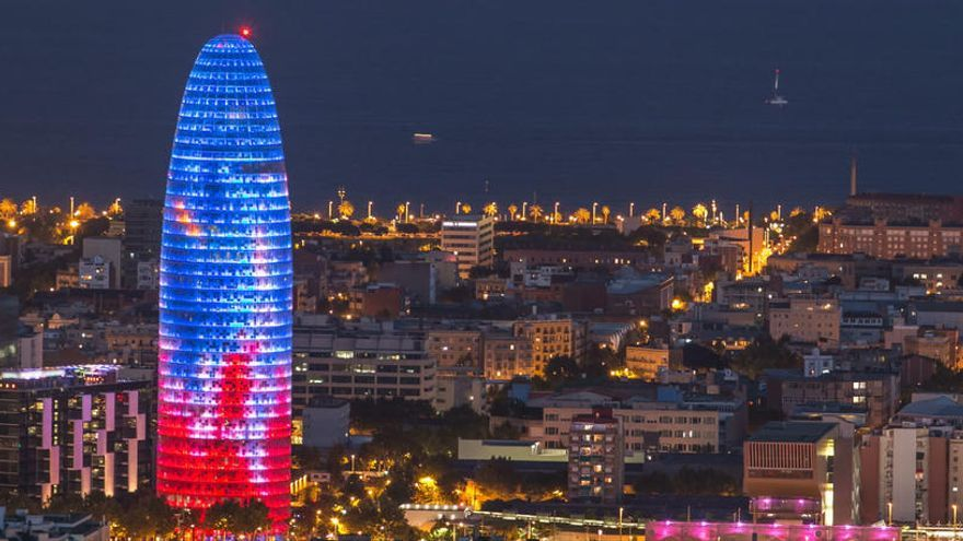 Warren Buffet quiere comprar la torre Agbar de Barcelona por 150 millones