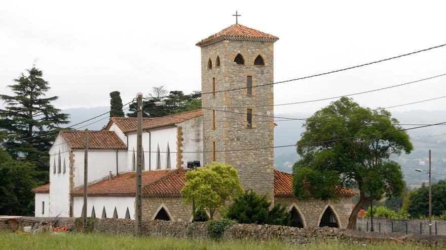 Asaltan la iglesia de Granda y sustraen el crucifijo del Corpus