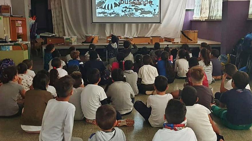 La falta de luz obliga  a los 750 alumnos de El Fraile a estudiar  en precario