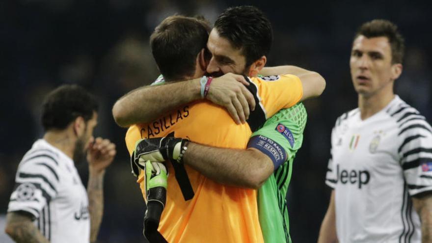 """Iker Casillas: """"Si no fuera el Madrid, desearía que ganara Buffon"""""""