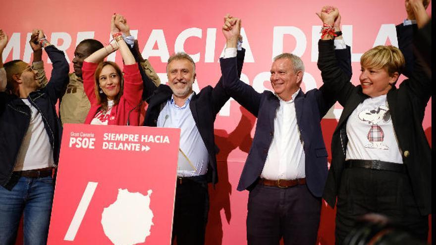 Victoria del PSOE, pero CC y PP resisten