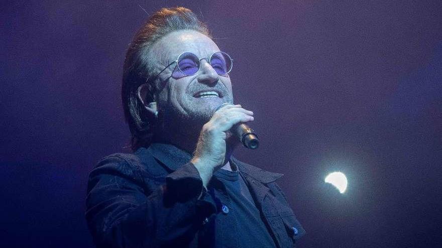 Bono, cumpleaños confinado