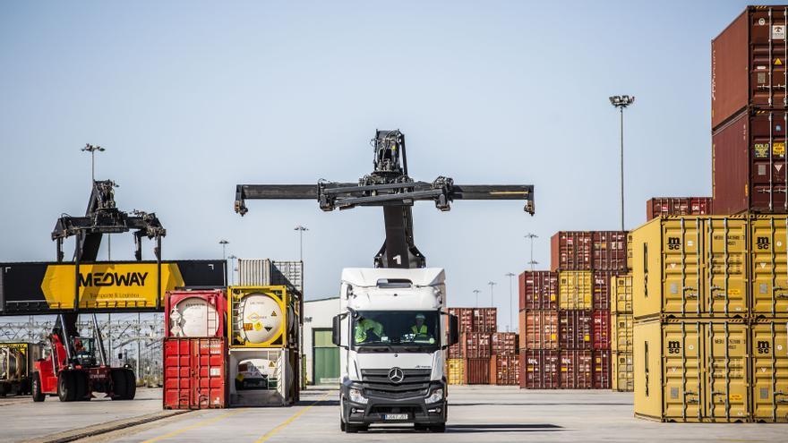 Operinter analiza el futuro del sector logístico