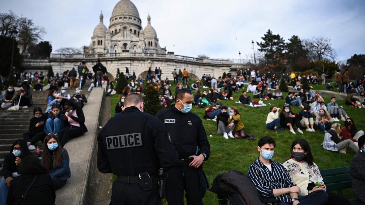 Control policial en París.