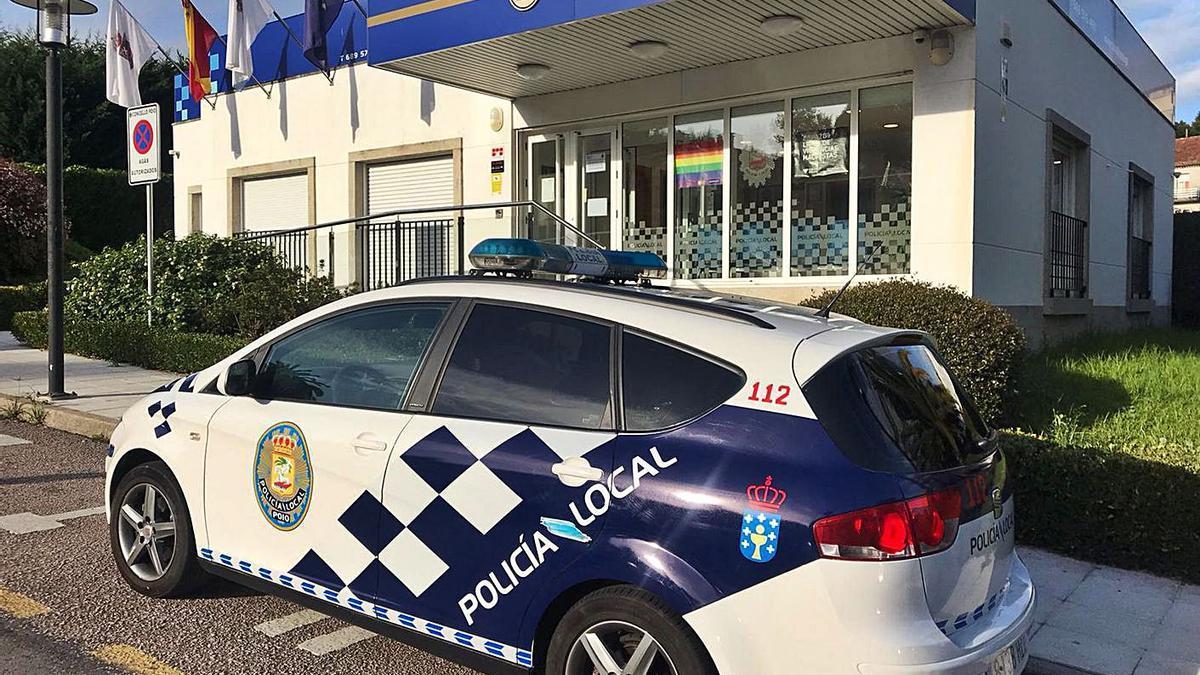 Exterior de la sede de la Policía Local de Poio. |   // FDV