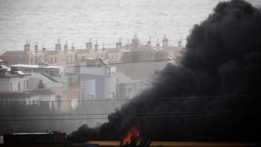 Incendio en un invernadero de Agüimes