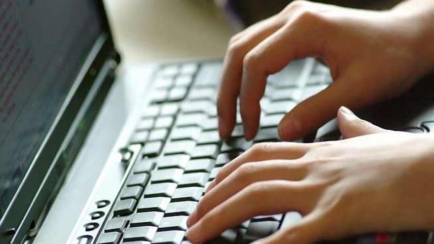 El 96% del alumnado universitario tiene un ordenador portátil o de mesa
