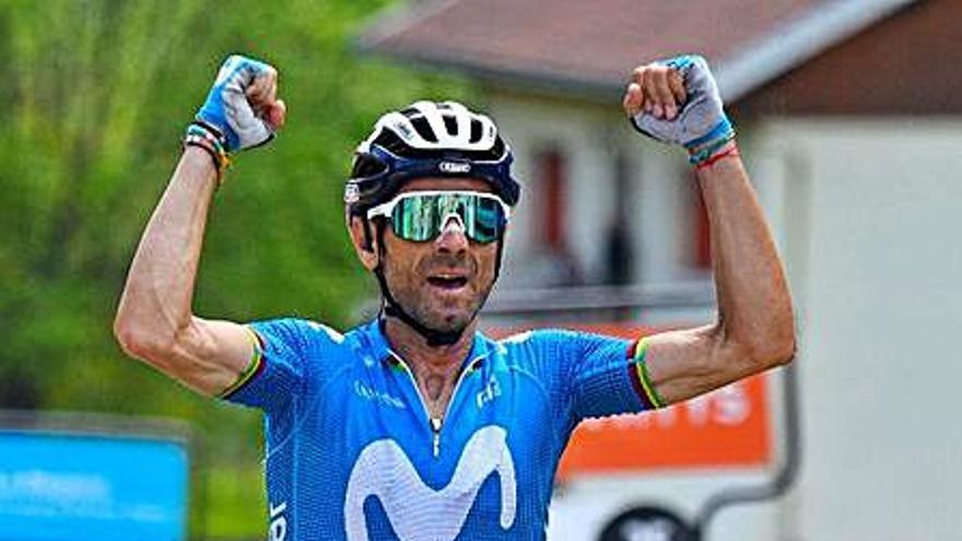 Valverde alza los brazos en la Dauphiné y Enric Mas aumenta sus opciones de podio