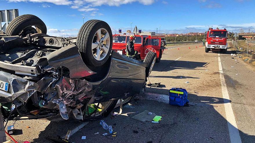 Tres heridos en un accidente de tráfico en la A-6, a la altura de Benavente