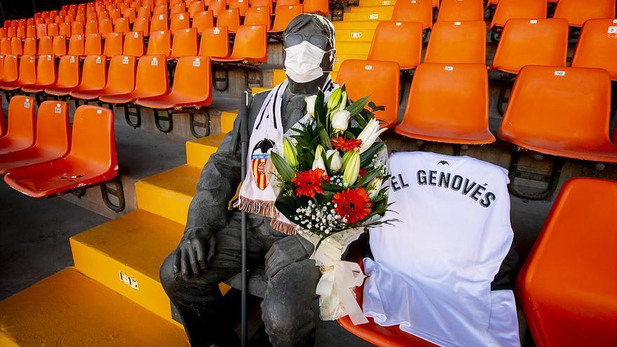 El Valencia homenajea a 'El Genovés' antes de enfrentarse al Milán