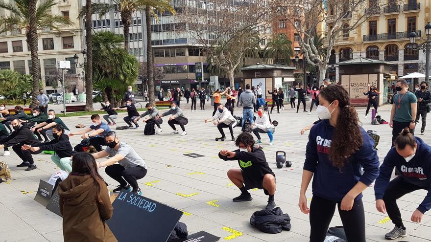 El deporte se ejercita en el centro de València para reclamar su reapertura