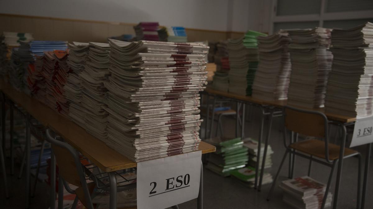 Libros preparados para el inicio del curso escolar, imagen de archivo