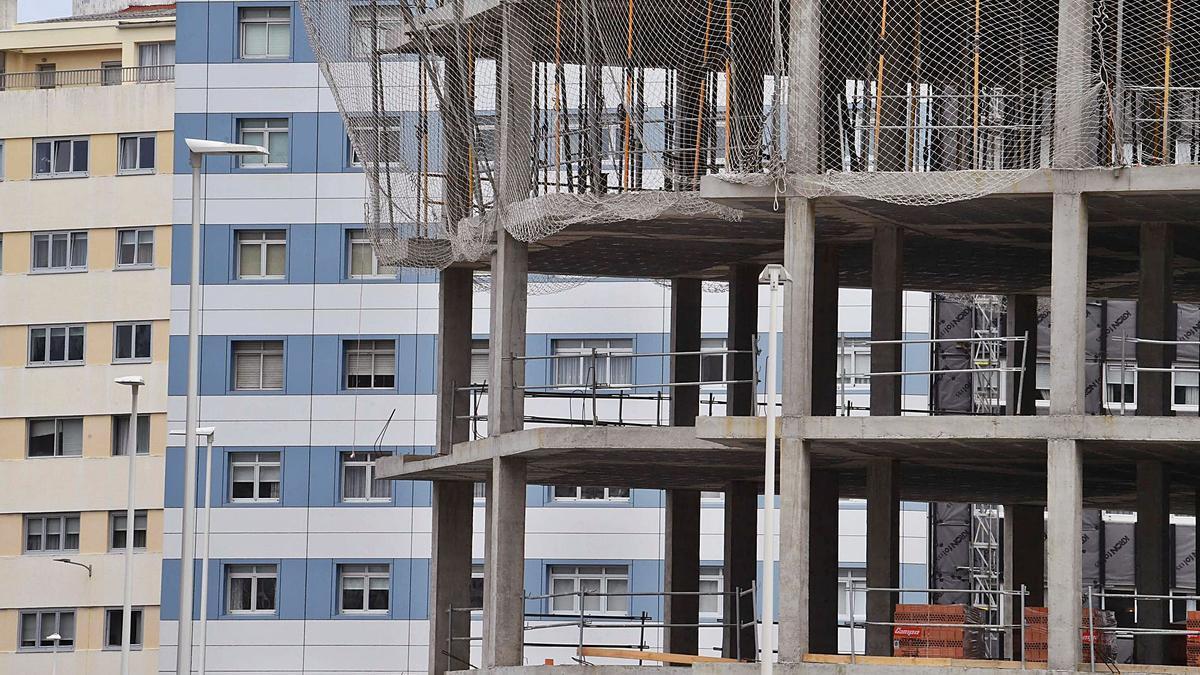 Edificio en construcción en Riazor. |   // VÍCTOR ECHAVE