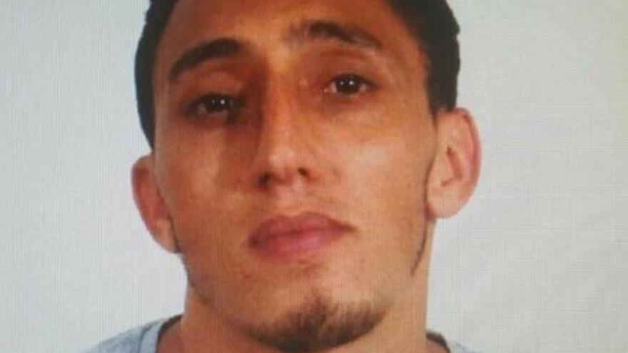 Driss Oukabir va tenir un judici ràpid per violència masclista tres dies abans dels atemptats