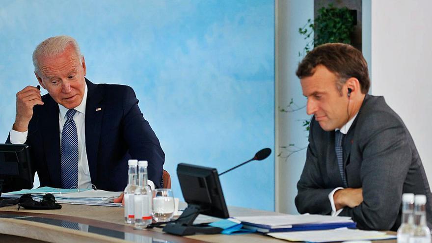 Biden i Macron acorden una reunió a Europa a l'octubre per rebaixar tensions