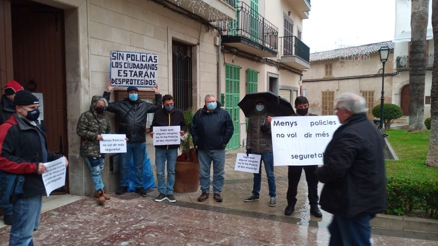 La Policía Local de Santa Margalida acusa al alcalde Monjo de desmantelar la plantilla